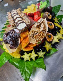 מגש פירות משולב -סושי פירות/שוקולד
