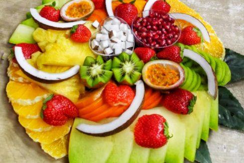 מגשי פירות מעוצבים - כך תשדרגו את האירוע שלכם