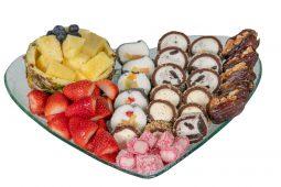 מגש לב משולב סושי פירות/שוקולד