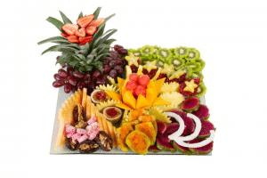 מגש פירות מעוצב לשולחן אירוח