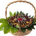 סלסלת תמרים משולב פירות יבשים