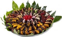 מגש תמרים ממולא פירות יבשים