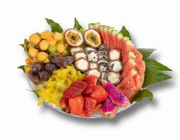 מגש פירות משולב סושי פירות שוקולד